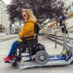 Schodolez pre elektrický vozík - nastupovaniie